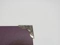 Серебряный металлический уголок